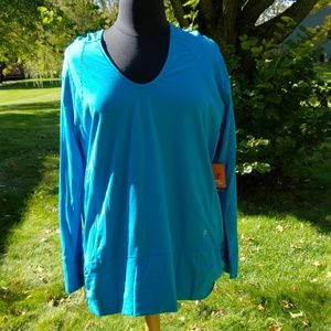 Energy zone hooded workout long sleeve top